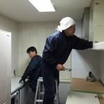 大工さんはキッチンの吊り戸撤去